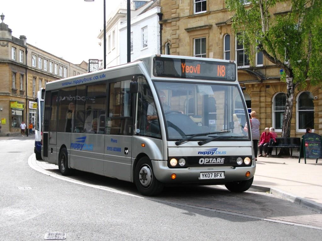Yeovil_-_Nippy_Bus_YK07BFX